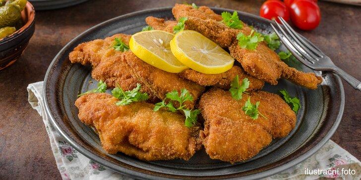 Něco k snědku pro dva i partu: 500 nebo 1000 g kuřecích řízků