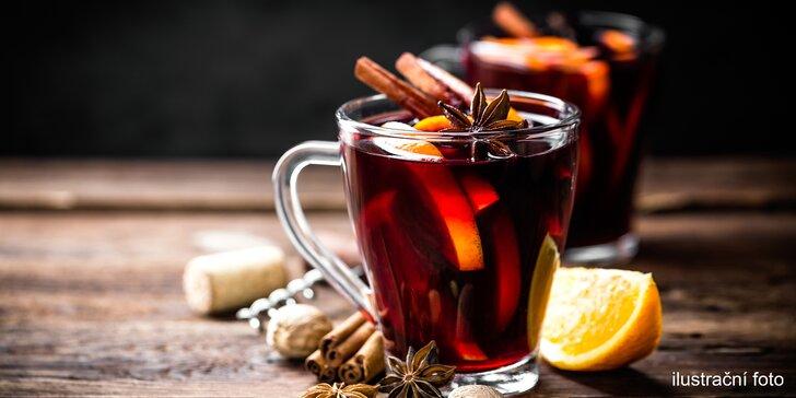Zimní zahřátí s přidanou hodnotou: svařené víno v Dobročinné kavárně