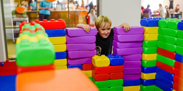 Celodenní vstup do dětského světa: lezecká stěna, skluzavky, herna i kavárna
