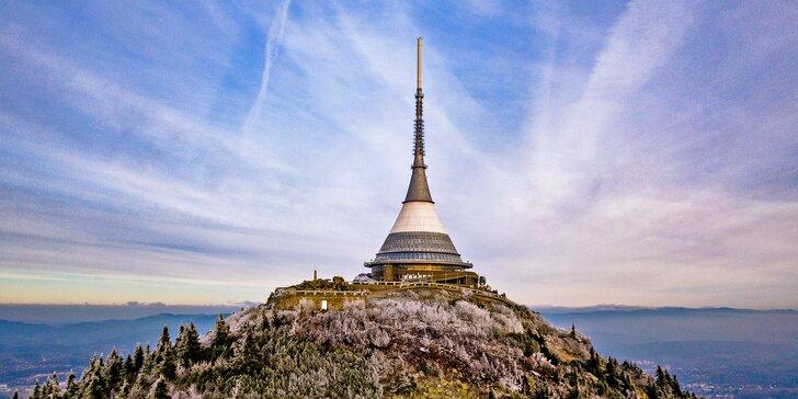 Oslavte Vánoce v oblacích. Od 23. 12. do 25. 12. vás zve legendární hotel Ještěd.