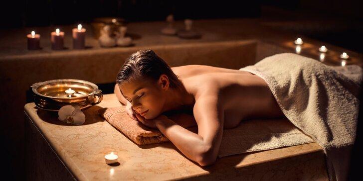 Léčebná konopná masáž zad, krku, ramen, šíje a hýždí pro uvolnění svalů
