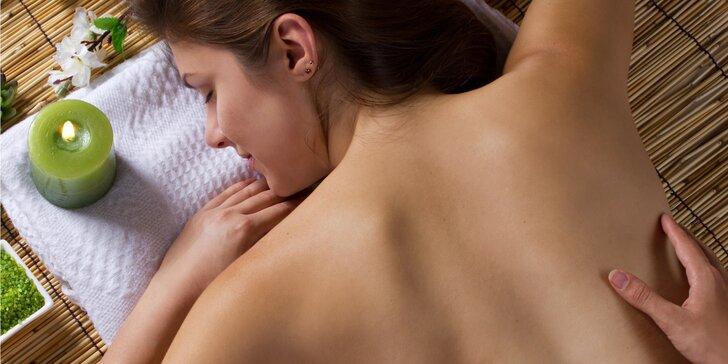 30 až 90 minut relaxační masáže: klasická, aromaterapeutická či reflexní