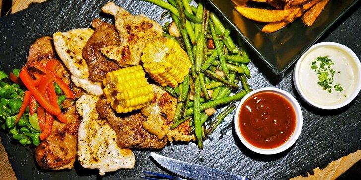 Steakové hody pro 2 nebo 4 osoby, hranolky, fazolky, kukuřice i omáčky