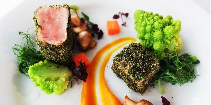 """Luxusní 7chodové degustační menu """"z našich farem a statků"""" pro 2 osoby"""