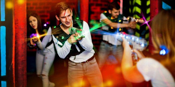 Zapařte si ve skutečném světě: 15 minut laser game v moderní 3D aréně