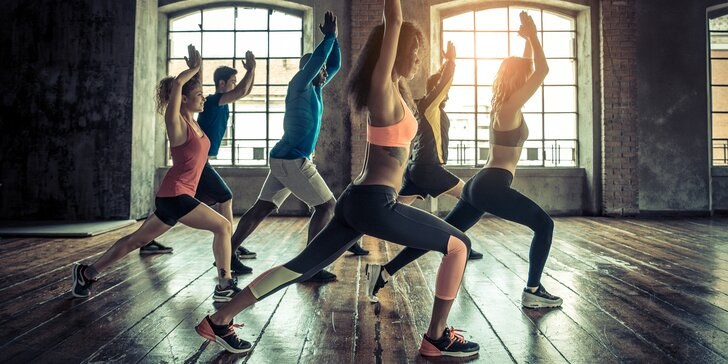 Zbavte se kalorií a stresu: lekce hot jógy i měsíční permanentka
