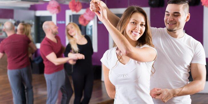 Vedená tančírna s otevřenými lekcemi pro jednotlivce i pro pár