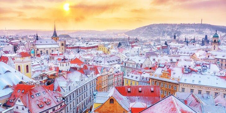 Zimní romantika v uličkách Prahy: pobyt s bohatou snídaní pro dva