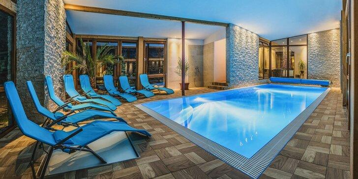 Pobyt v resortu u Liptova vč. snídaně: vyhřívaný bazén a třeba i wellness pro 2