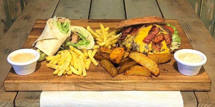 Jídlo jak se patří: menu s burgerem, pitou i s hranolky pro 2 i 4 osoby
