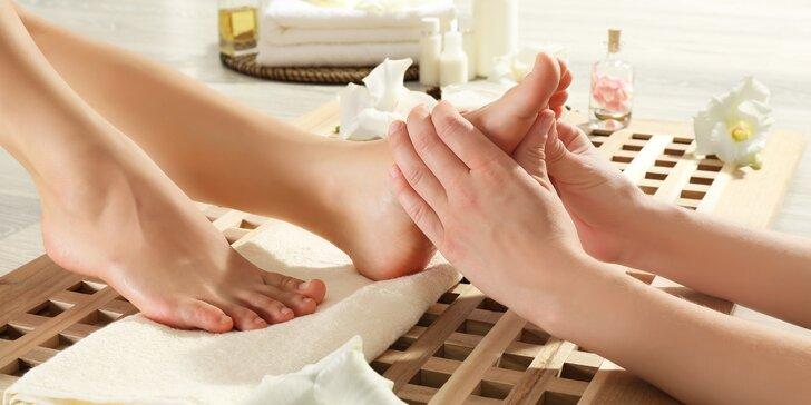 Zimní prohřátí: Uvolňující bylinná masáž nohou a Garra Rufa