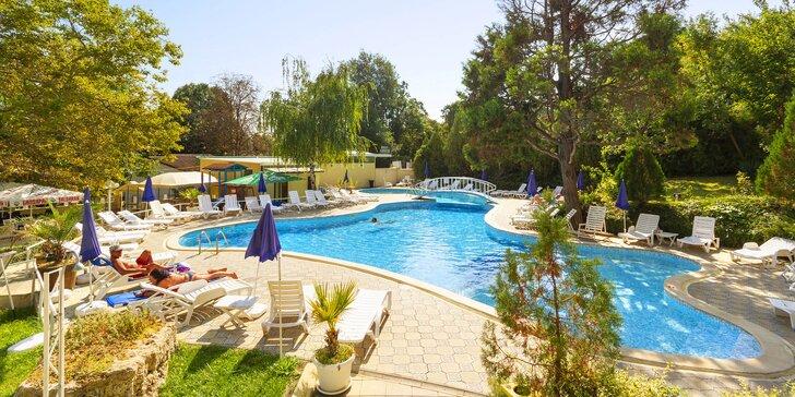 Záloha na 7 nocí v Bulharsku: doprava busem a hotel s bazénem i all inclusive