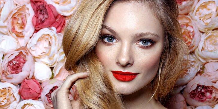Špičková péče: kosmetika s masáží a líčením i nový melír a střih