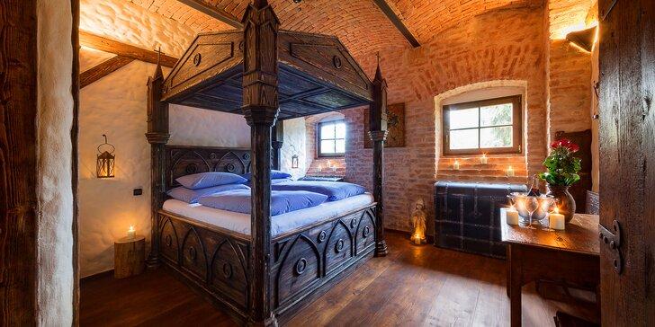 Noc ve středověku: nové rytířské pokoje, hostina i zábavný dobový program