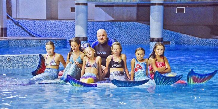4 lekce mermaidingu: plavání s monoploutví v kostýmu mořské panny