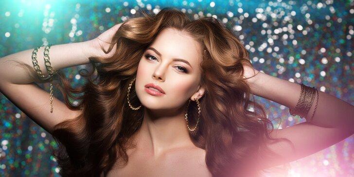 Jako nová: proměna vizáže se stříháním a barvením vlasů, péčí o pleť i líčením
