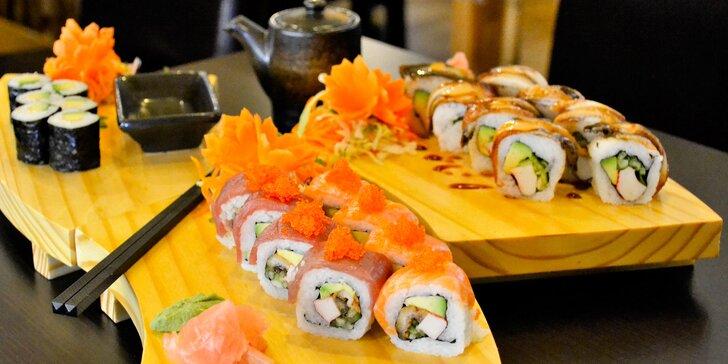 14 i 28 kusů sushi s rybou i okurkou nebo avokádem dle výběru pro 1 i 2 os.