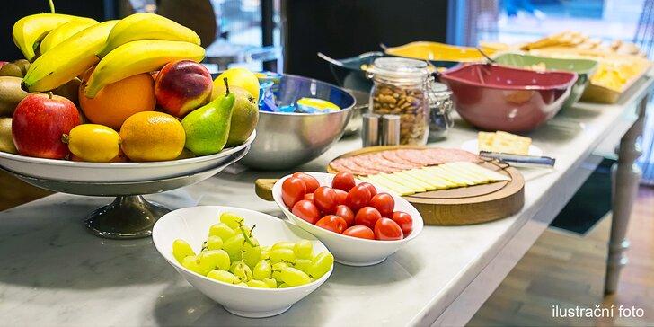 Bohatá bufetová snídaně v hotelu Trinity v čase 7:00 až 10:00