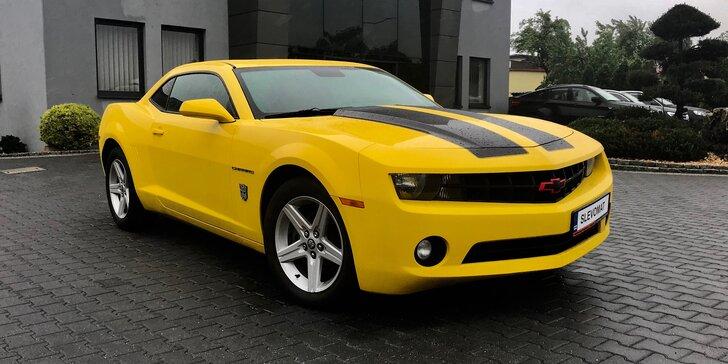 "Buďte hvězdou silnic: půjčte si sporťák Chevrolet Camaro ""Bumblebee"" na den i na víkend"