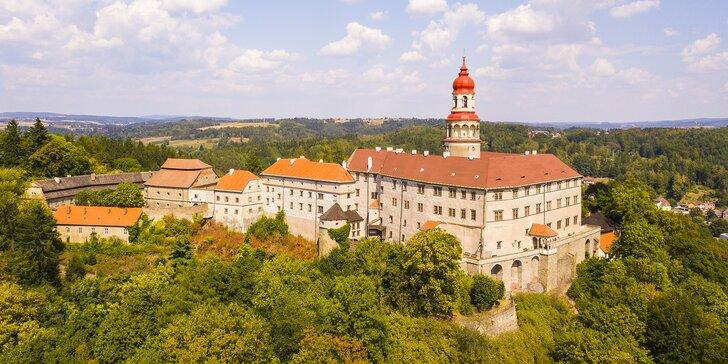 Rajská dovolená v Náchodě: 3 dny v rodinném hotelu přímo u zámku