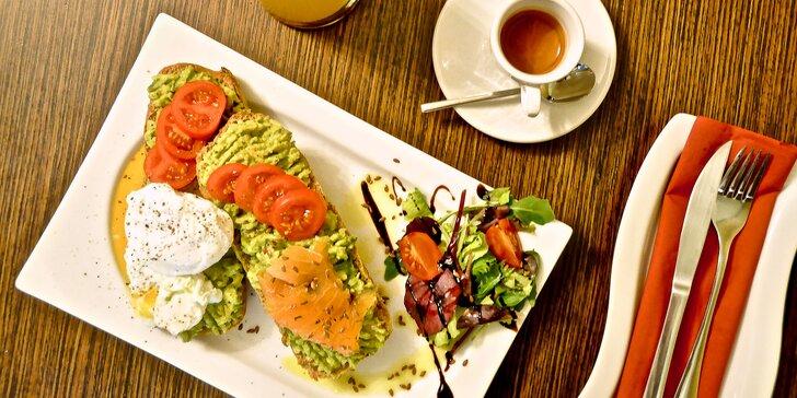 Poctivý start nového dne: snídaňová menu s vejci, avokádem i lososem