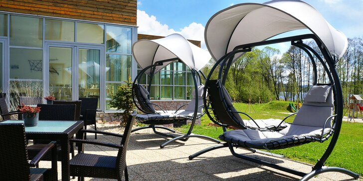 Hotel přímo u Lipna: 2–4 dny, polopenze a wellness s bazénem a saunou