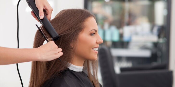 Střih vlasů s hloubkovým ošetřením ultrazvukovou žehličkou