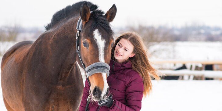 Výuková lekce jízdy na koni v přírodě či na jízdárně i focení