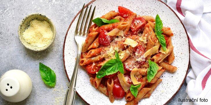 Těstoviny dle výběru: s feferonkami, parmazánem, mozzarellou i s kuřecím