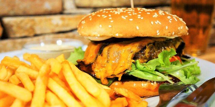 Naducaná nálož: burger s hranolky a domácí tatarkou pro jednoho i pro dva