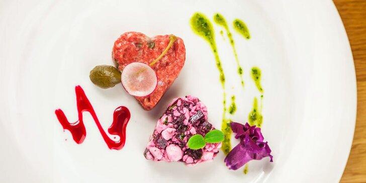 Valentýnské tataráky dle výběru i s pečivem v legendární restauraci Šelepka