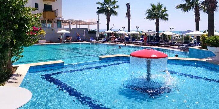 K moři do Albánie: letecky na 7 nocí s all inclusive, hotel 30 m od pláže
