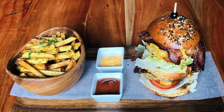 Past na pořádný hlad: 2x hovězí XXL burger a čokoládový fondant