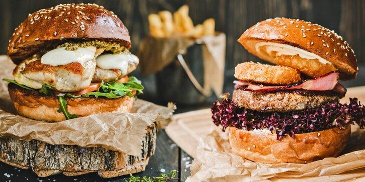 Hamburger podle výběru z 19 druhů i s hranolky nebo americkými brambory