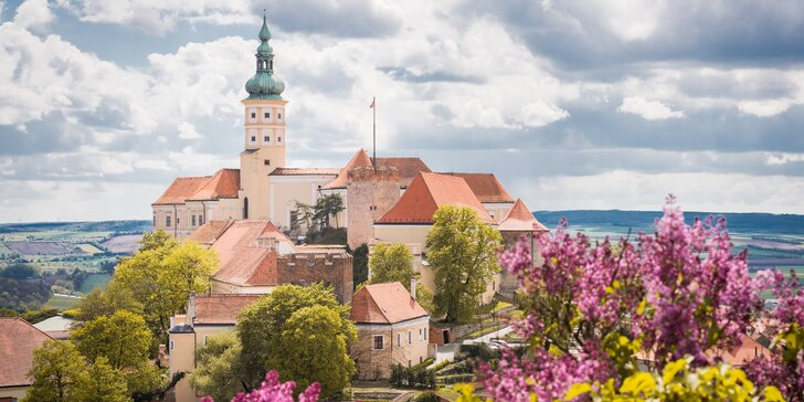 Útěk za vínem a pohodou na jižní Moravu: moravská večeře a bowling v ceně