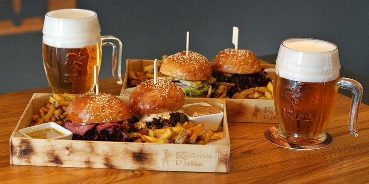 4 miniburgery v domácí housce: hovězí, sýr halloumi i vepřové pastrami
