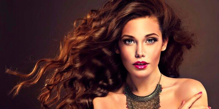 Foukaná i módní klasické či kombinované barvení pro všechny délky vlasů