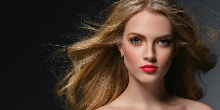 Péče o vlasy: masáž hlavy, ošetřující regenerační kúra, střih a trendy styling