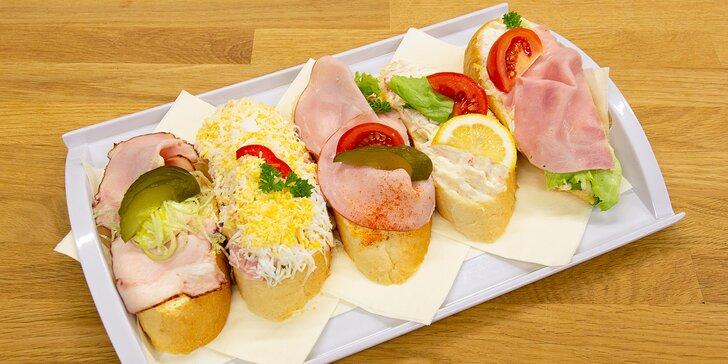 Oslňte návštěvu skvělým pohoštěním: 10 či 20 chlebíčků z Cukrárny Lilly