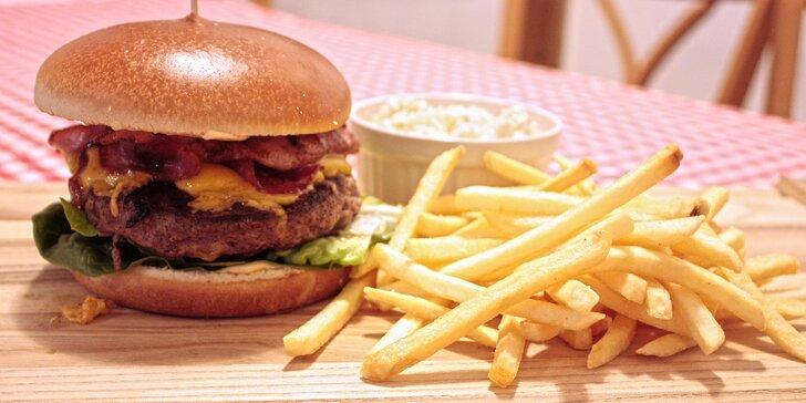 200g burger z anguse, hranolky a salát coleslaw pro 1 i 2 osoby