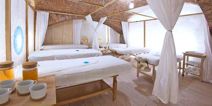 Hodina ve wellness centru pro dva: masáž, sauna a welcome drink