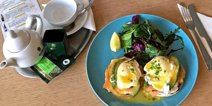 Káva a vejce Benedikt s lososem a holandskou omáčkou pro 1 nebo pro 2