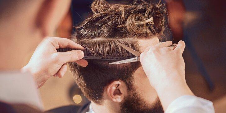 Klasický pánský střih s masáží hlavy i s holením Hot towel či úprava vousů