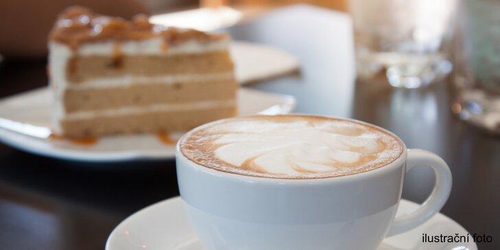 Nerozlučná dvojka: káva a dezert pro 1 i pro 2 v kavárně ve Zlatém jablku