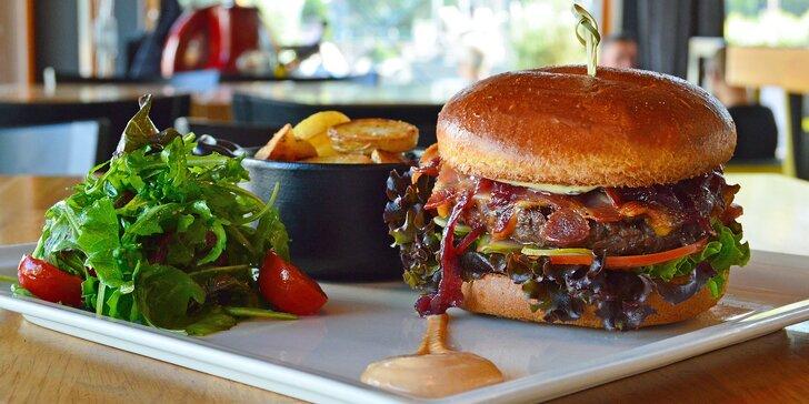 Burger z argentinského hovězího v Miminoo a vstup na Žižkovskou věž