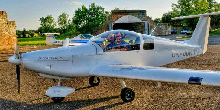 Pilotem na zkoušku  20–60minutový zážitkový let ve dvoumístném ultralightu 7a99762a1d