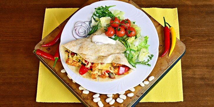 3chodové mexické menu: hustá polévka, tortilly podle výběru a nachos