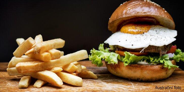 Hovězí burger s vajíčkem, domácí hranolky a bylinková majonéza pro jednoho