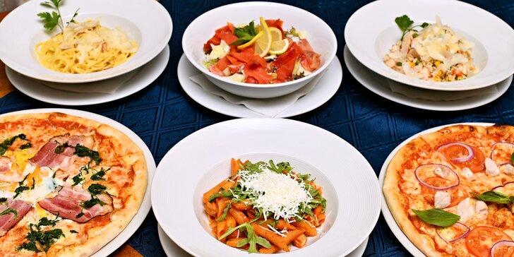 Tradiční italské speciality: pizza, pasta, salát nebo rizoto podle výběru