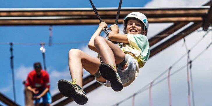 Zdolejte překážky v lanovém centru: 2 hodiny adrenalinu pro 2 osoby